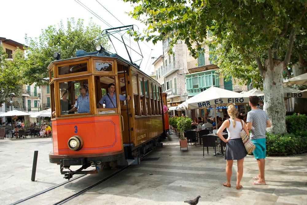 vintage train in soller