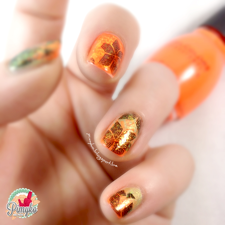 pimyko-nailart-stamping-flakies-sinfulcolor-summerpeach-essie-shineofthetime-enchantedpolish-greenpeaceonearth-nail-nailpolish-degrade