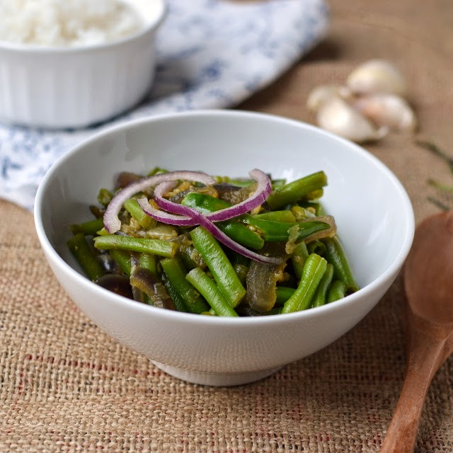 Tripura -- Kosoi Bwtwi (Green Beans & Garlic Curry)
