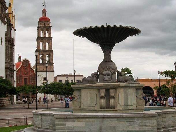 Fuente de los Delfines - Irapuato, Guanajuato