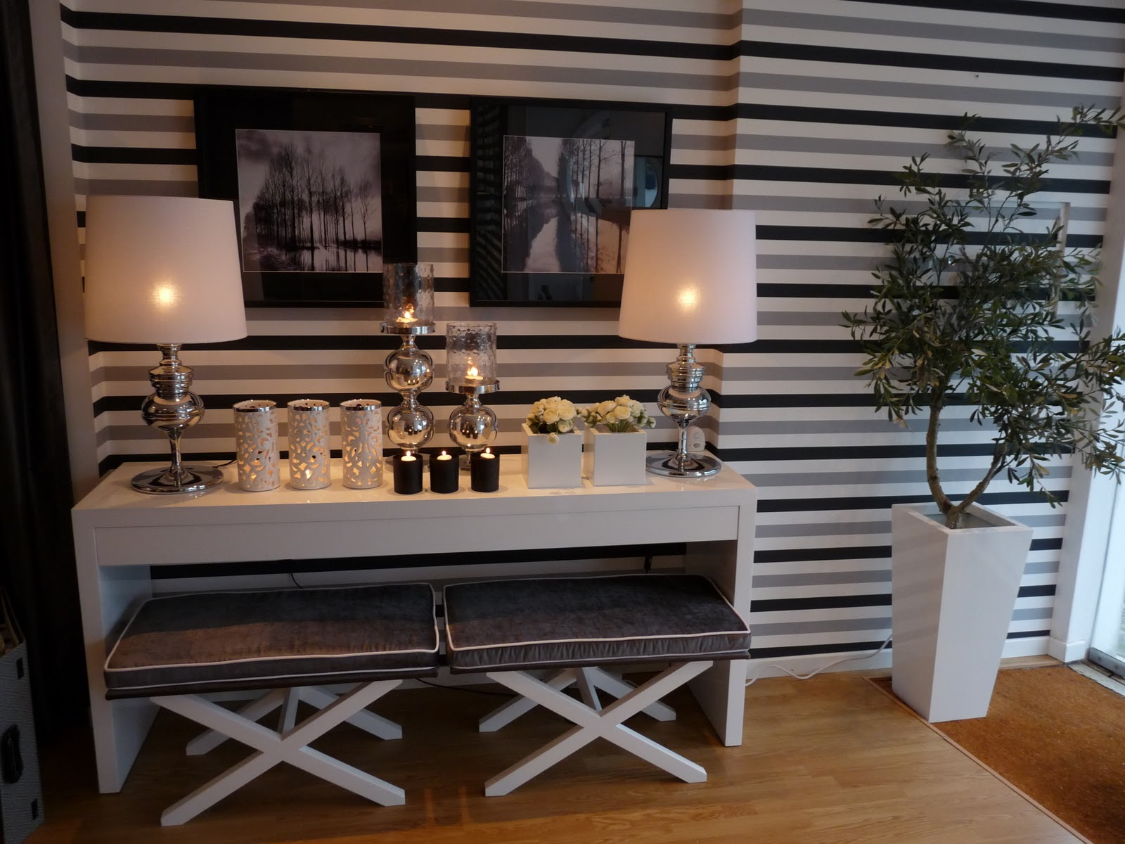 Bricolage e decora o ideias para um hall de entrada em for Striped kitchen wallpaper