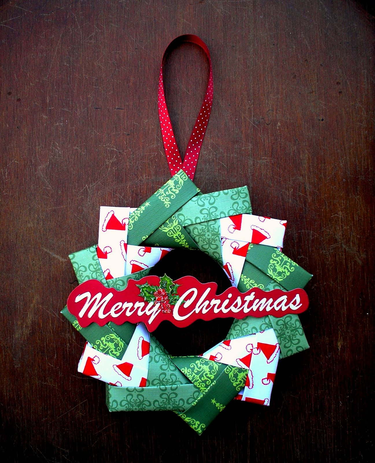 Artfull crafts sandy origami wreath tutorial for How to christmas crafts