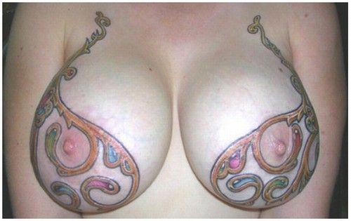 tatuagens nos seios