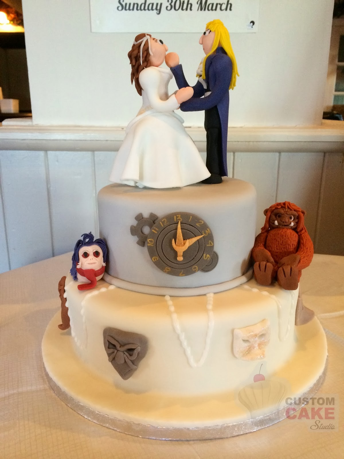 What An Awesome Cake Labyrinth Wedding Cake