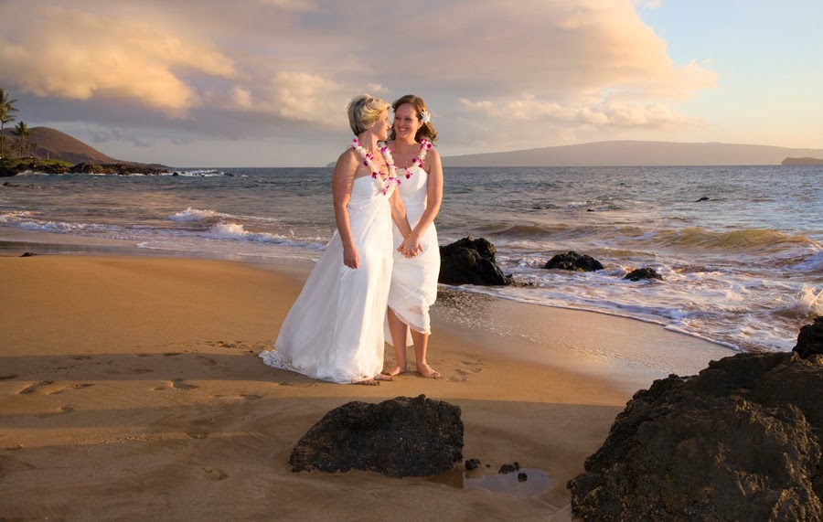 http://hawaiiwedding.com/gay-wedding-onmaui/