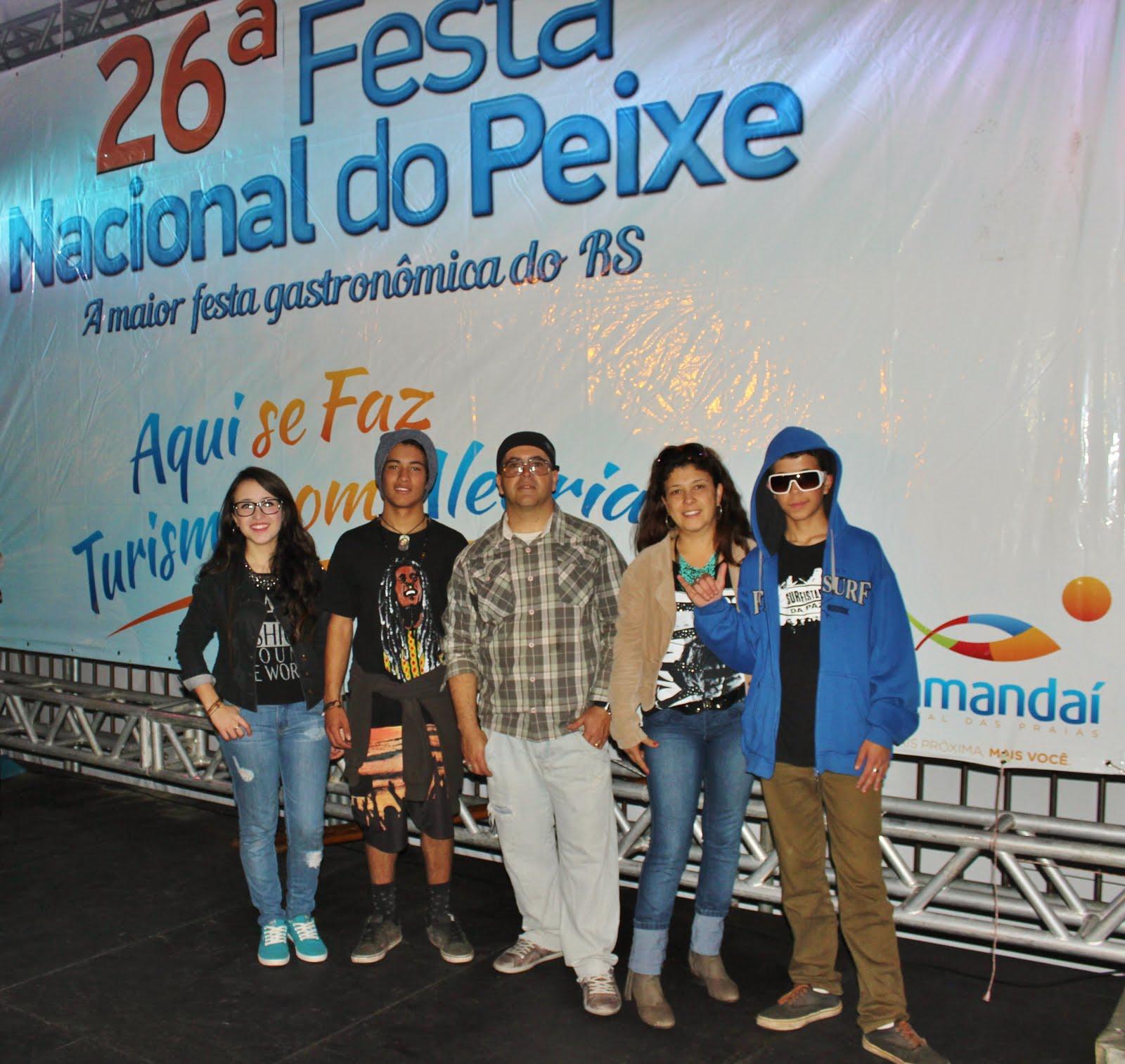 Surfistas da Paz na 26ª Festa Nacional do Peixe, Tramandaí/RS, em 2015.