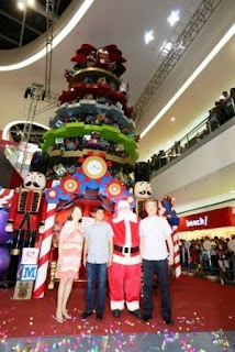 Grand Christmas Tree