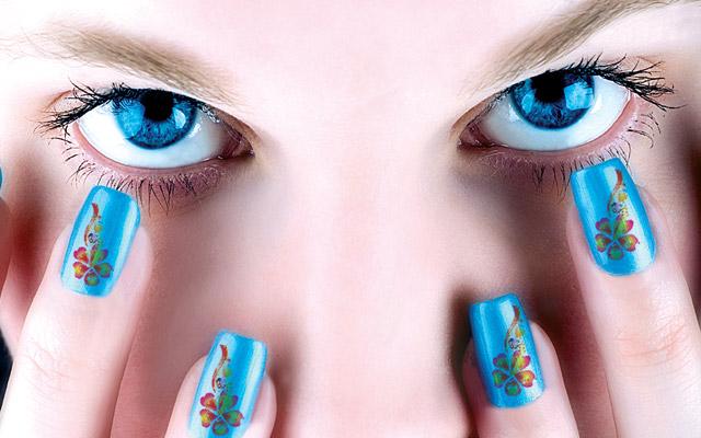 Tattoo Girl New Nail Designs