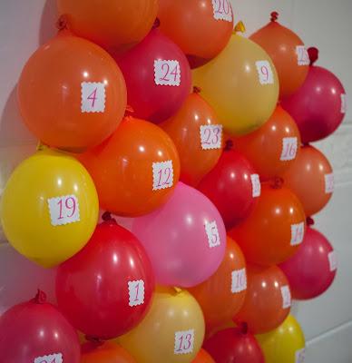 Calendario de adviento con globos