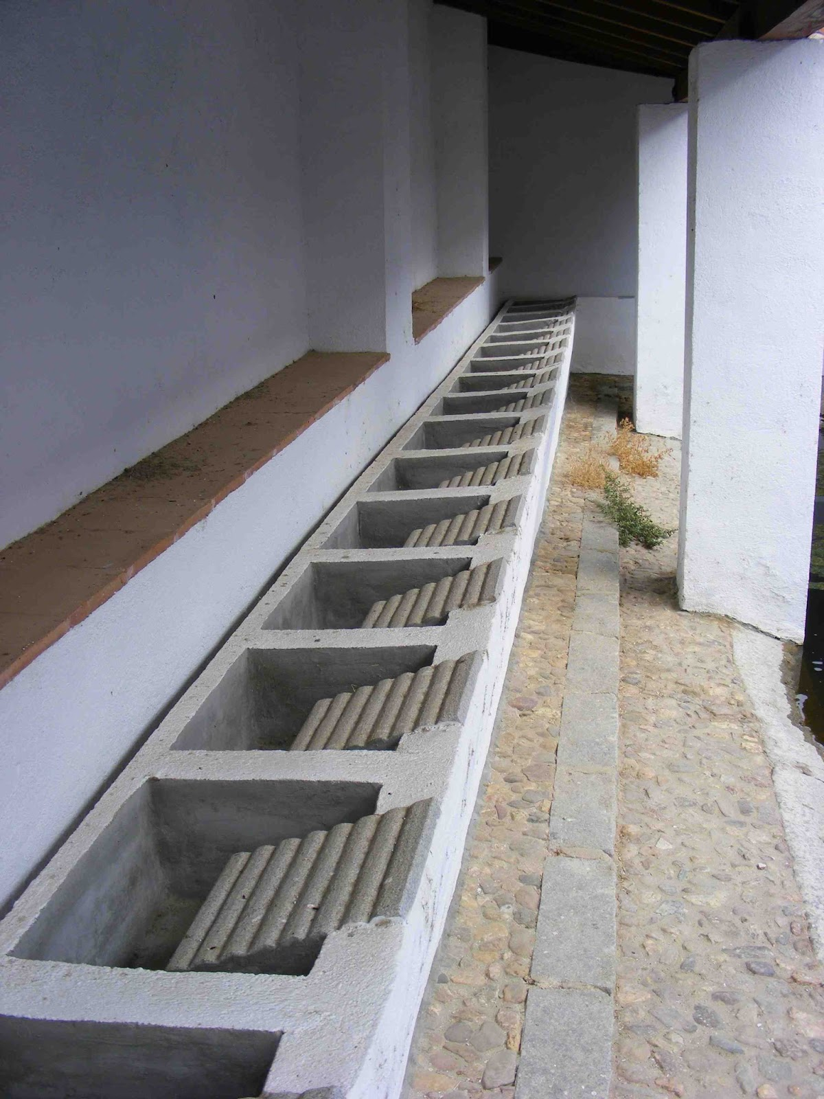 Piletas de lavadero antiguas filtro para la piscina for Cuanto sale hacer una piscina de cemento