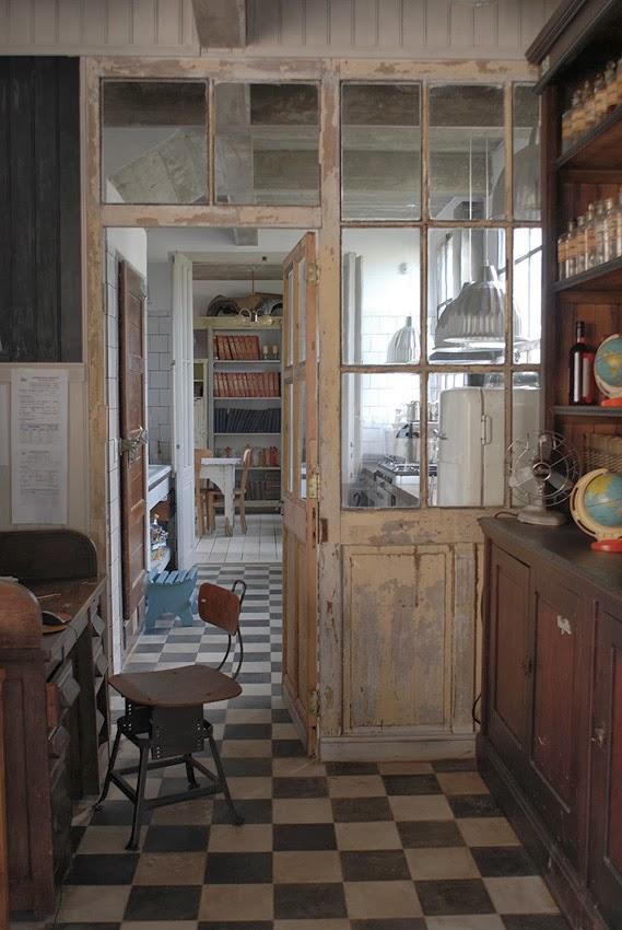 Un faro de ideas casa zinc uruguay for Fabricas de muebles en montevideo uruguay