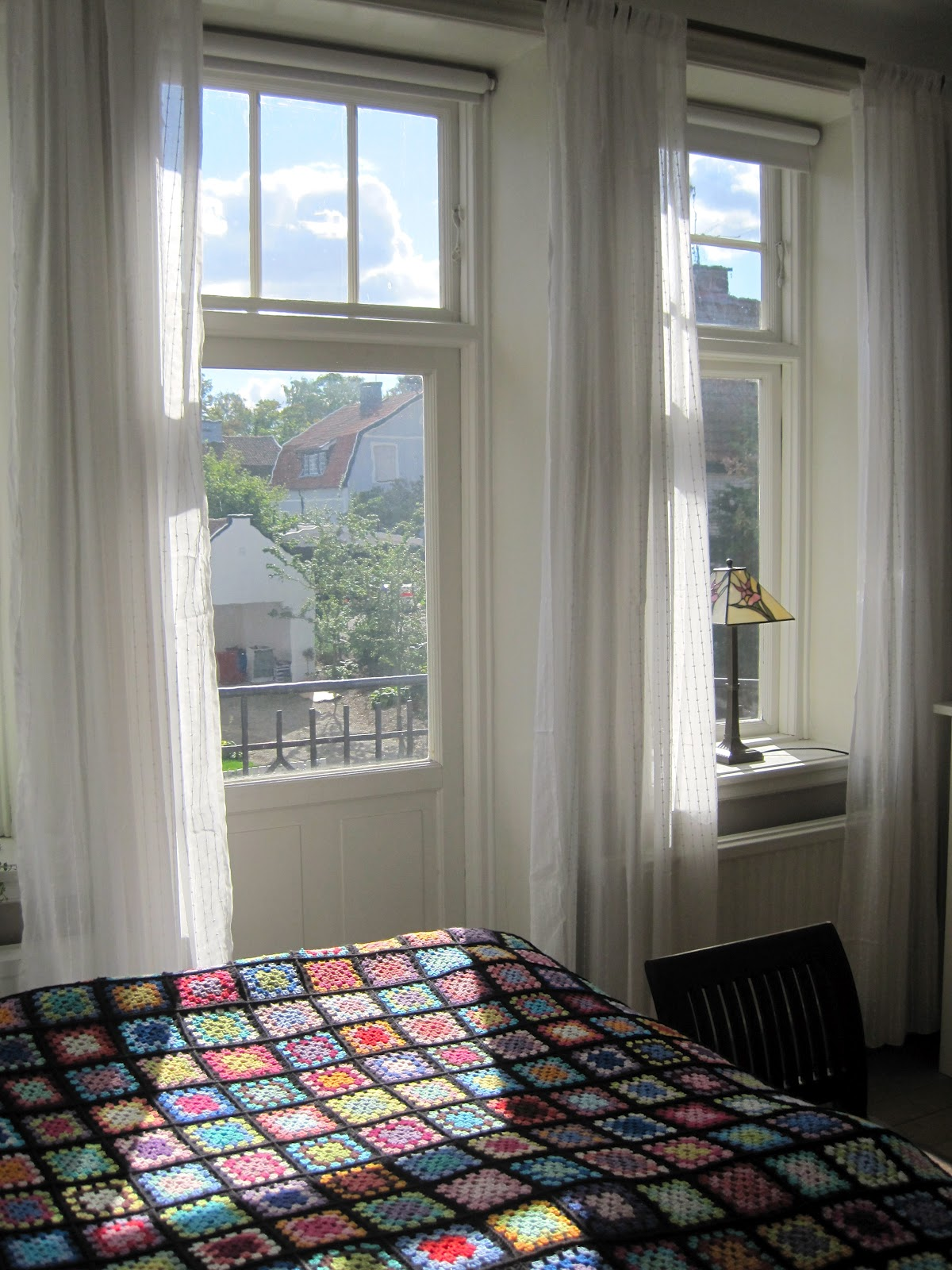 Hanne rimmen: gardiner helt til gulv, skal der til ...