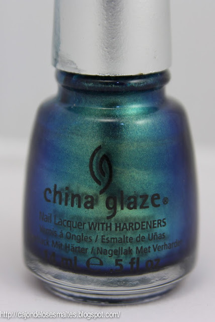 Swatches - China Glaze - Deviantly daring