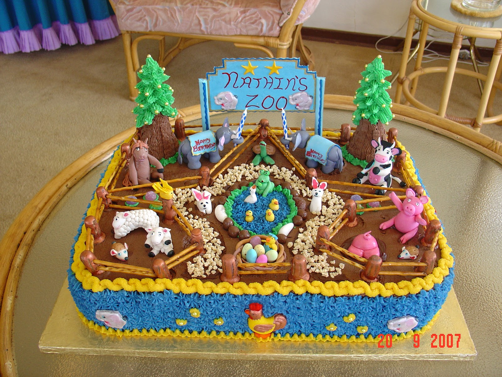 It`s my party: Petting zoo birthday cake