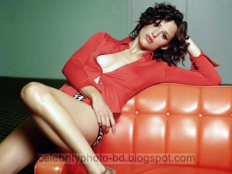 Jennifer+Garner+Latest+Hot+Photos+With+Short+Biography012