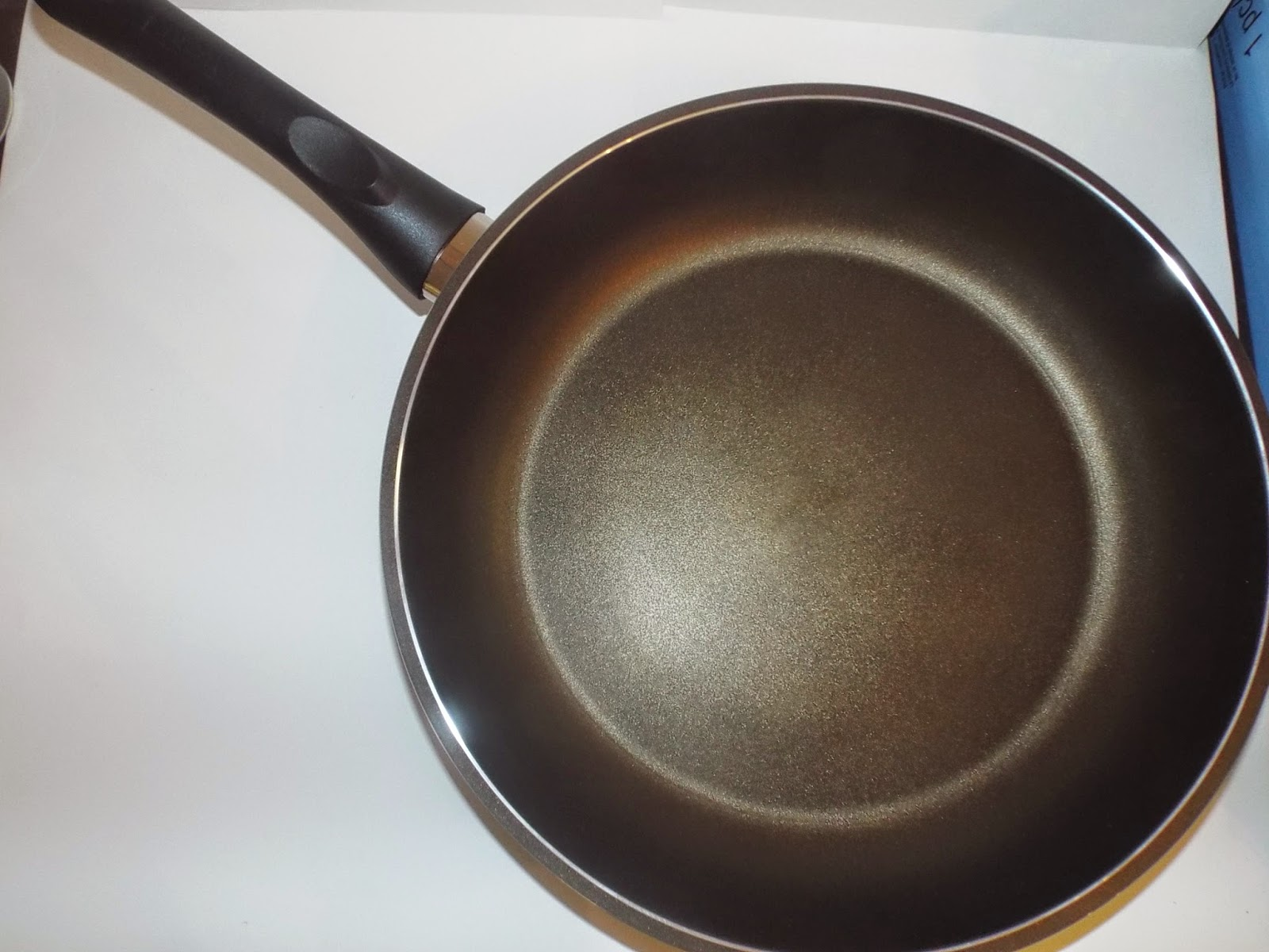 "TeChef Olive 12"" nonstick pan"