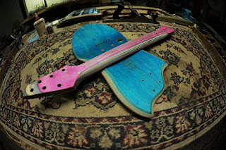 Instrumentos Musicales Reciclados, Guitarras Electricas con Skates Reciclados