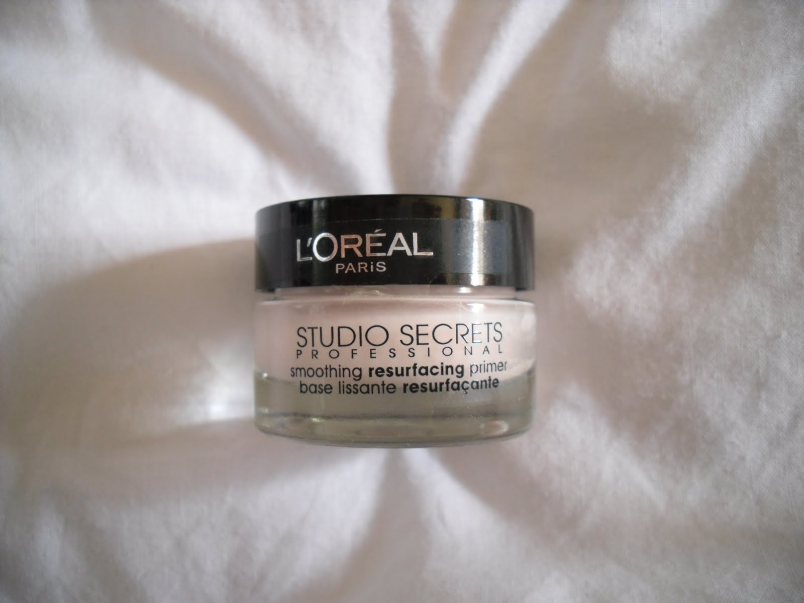 beautifully glossy l 39 oreal studio secrets smoothing resurfacing primer. Black Bedroom Furniture Sets. Home Design Ideas