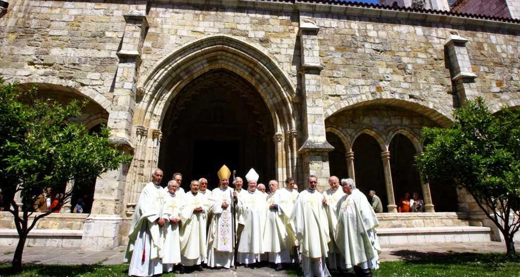 Vida fraterna en comun en Derecho canonico
