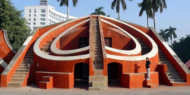 places-to-visit-in-delhi, jantar-mantar-in-delhi