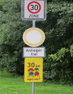 Señalización vertical especial zonas escolares (Alemania)