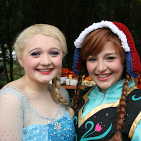 New England Fall Events_Wallingford CT Scarecrow Festival_Anna and Elsa_Frozen