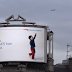 Amazing ads use surveillance tech to react to planes