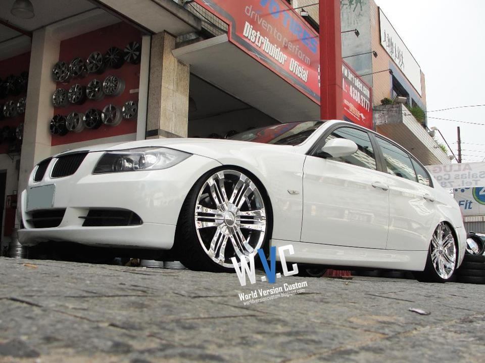 World Version Custom: BMW Rebaixada + Rodas aro 20""
