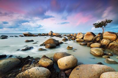 Rocas a orillas del mar - La era de piedra - Stone age