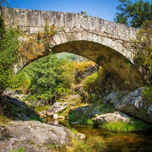 Río Homen en Geres, Portugal