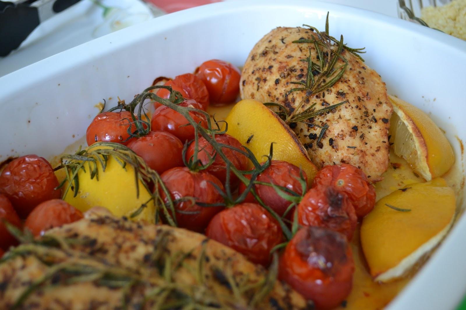 gute nahrung macht gl cklich h hnchen und tomaten aus dem ofen nach jamie oliver. Black Bedroom Furniture Sets. Home Design Ideas