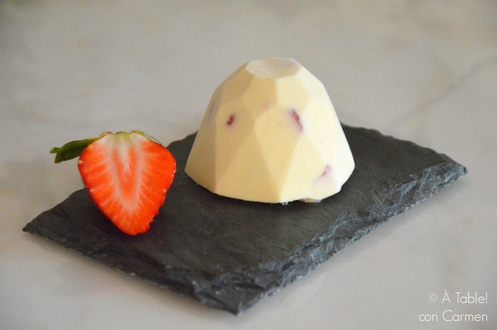 Baño Blanco Thermomix:À table ! con Carmen: Semifrío de Chocolate Blanco y Fresas