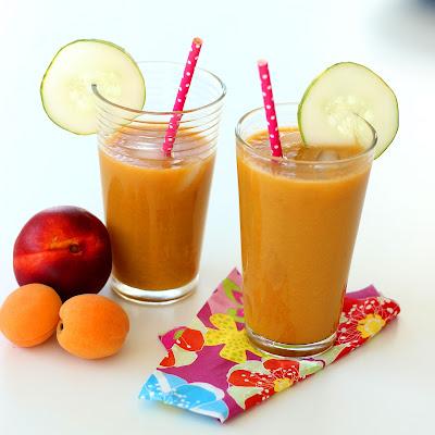 Illustration jus de nectarine - abricot et concombre