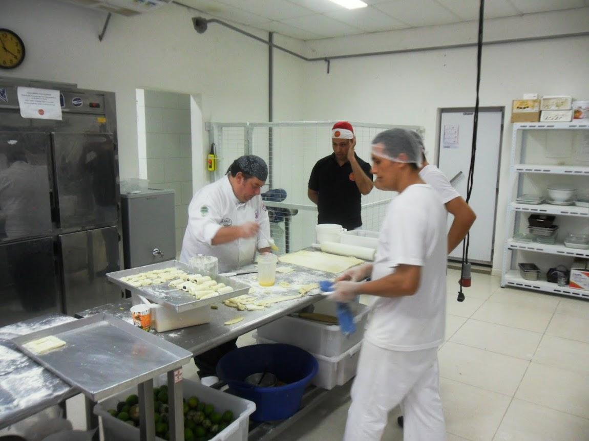 Workshops, Cozinhas Show, Consultorias Gastronômicas de Gestão.