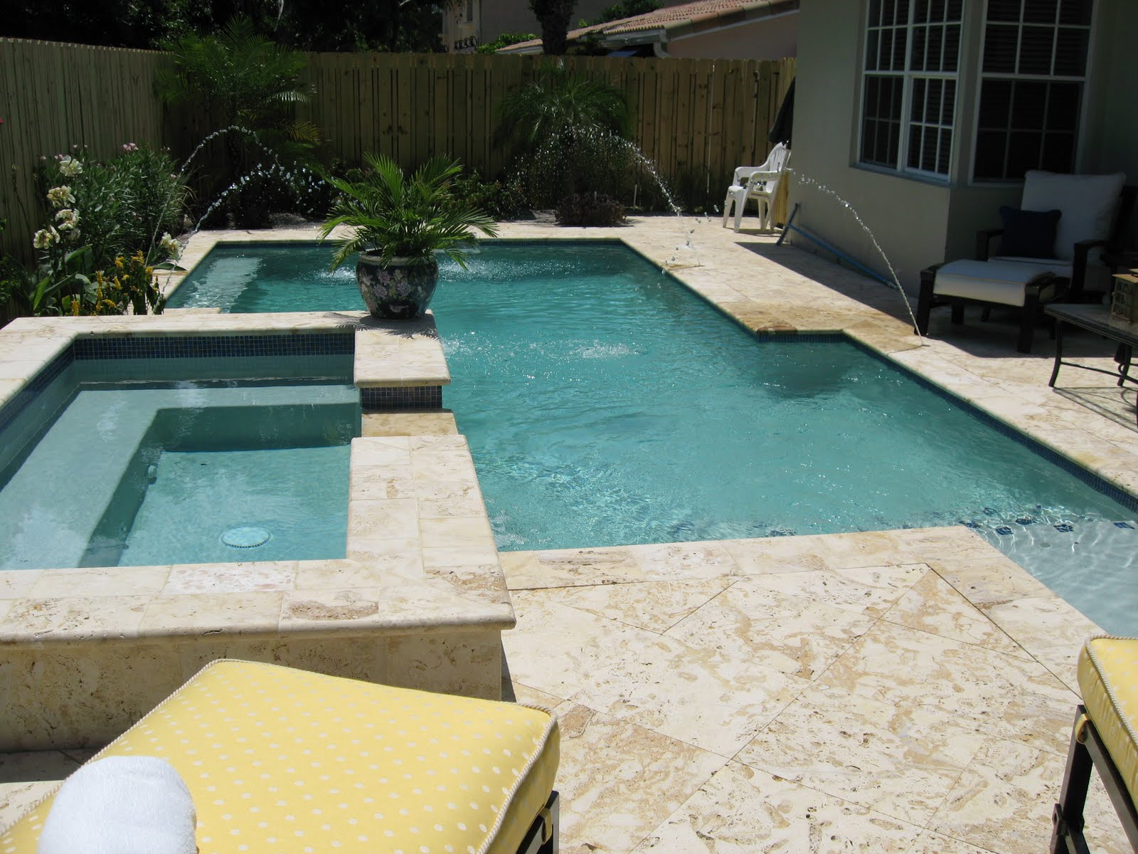 Coral Stone tiles Pool Decks and Stone Pavers: Discover the ...