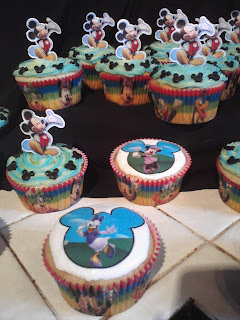 Big Bettie cakes: Mickey Mouse Cupcakes