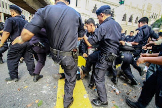 Polis Malaysia Jahat macam iblis
