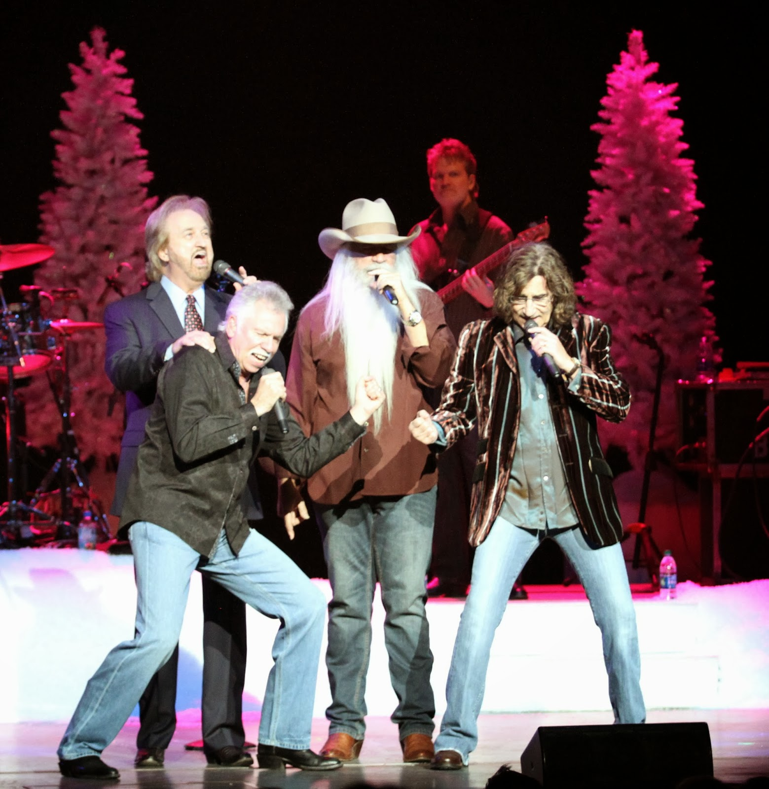DiA Events: The Oakridge Boys Christmas Show... Amazing what lights ...