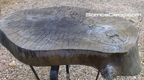 mesa hecha con un tronco