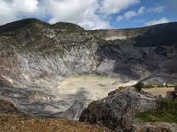 Paket Wisata Gunung Tangkuban Perahu Murah