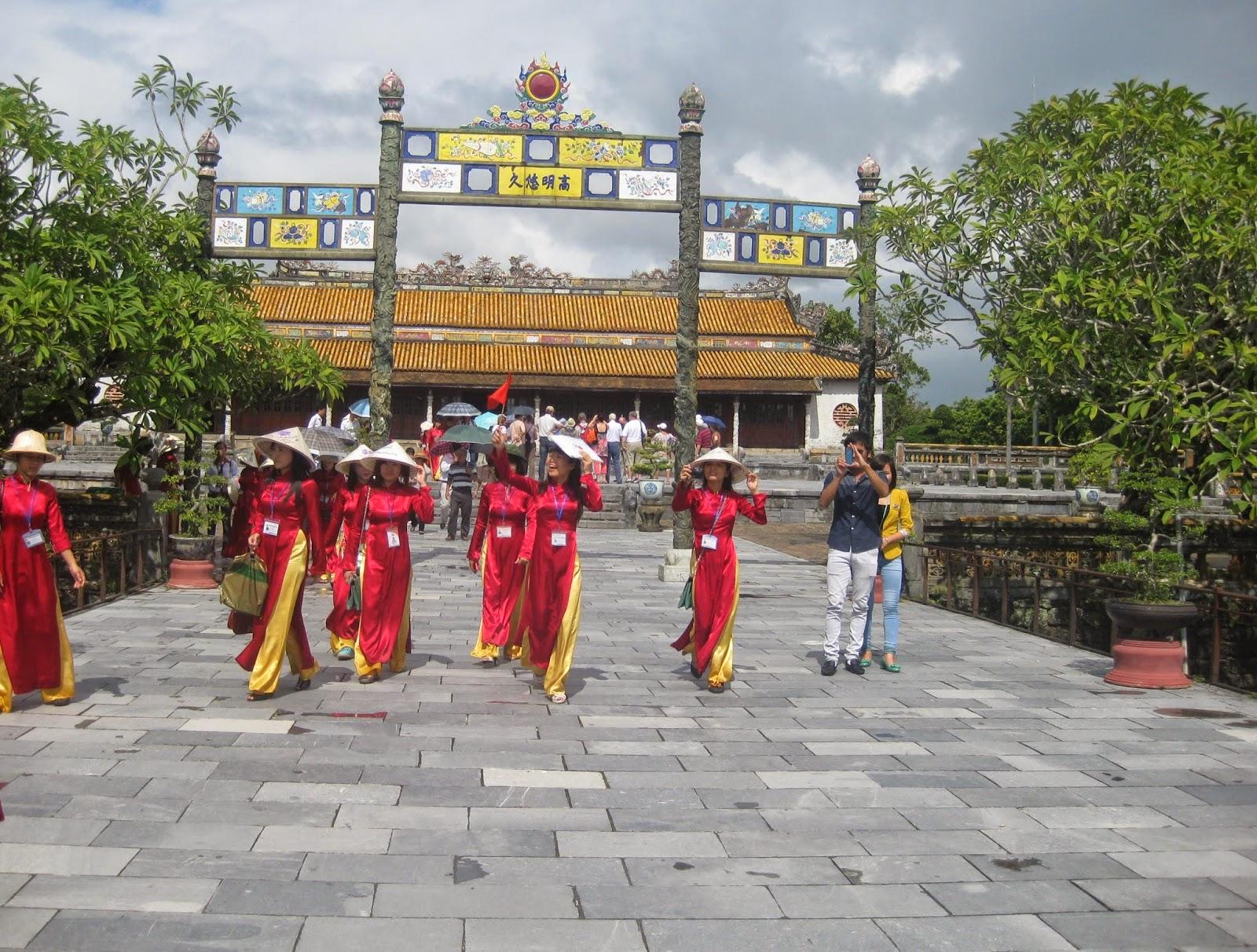 Tour du lịch Xuyên Việt 14 ngày6