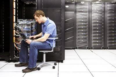 Administrator Server adalah | Admin Server adalah | Monitoring Server | Mengelola Server dan Bandwidth | Instalasi File Sharing