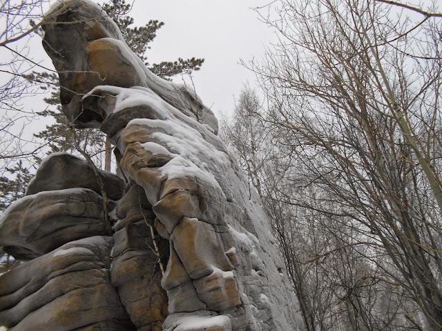 Скала у Каменнных ворот