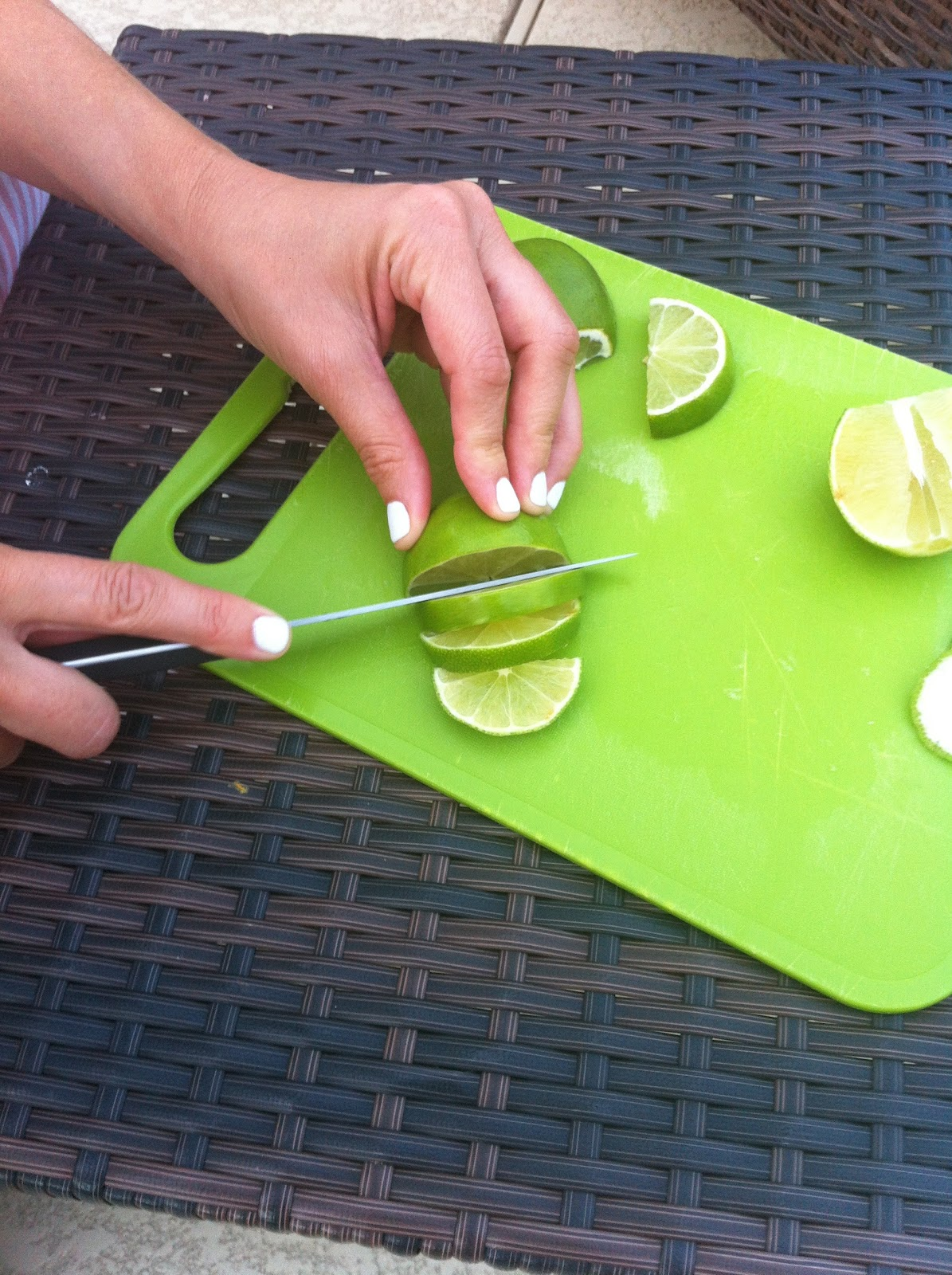 how to cut orange wedges for drinks