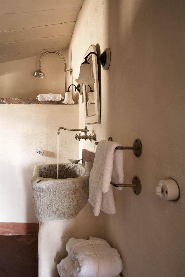 pica de piedra -detalle baño