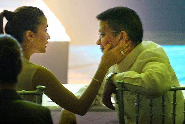 Heart Evangelista caressing Chiz Escudero