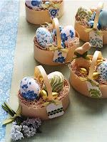Овални кошнички от рециклирана хартия с декупажни яйца
