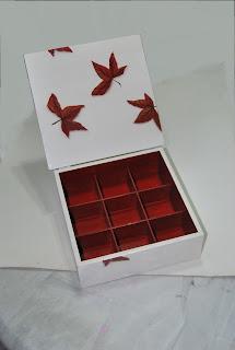 Caja con Hojas Naturales