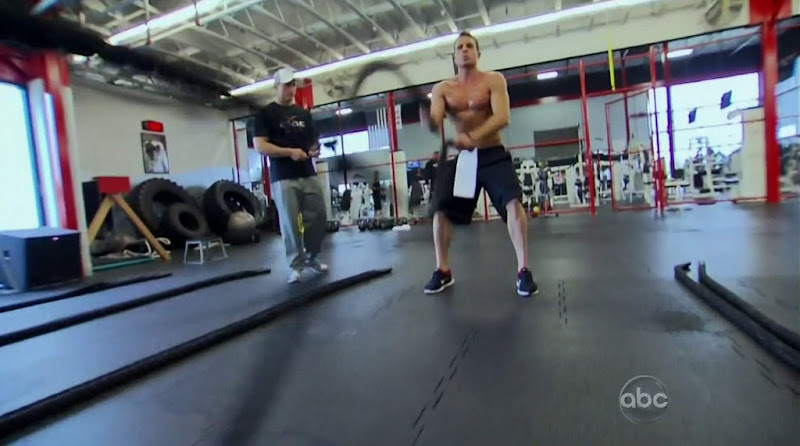 Tony Pieper Shirtless in The Bachelorette s8 week 1