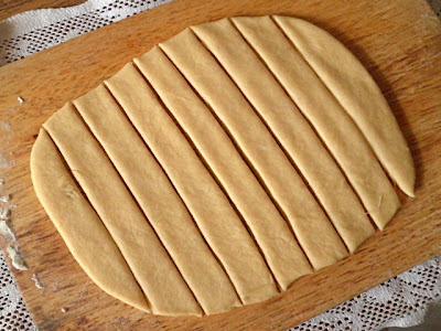 Bread Recipe  @ http://treatntrick.blogspot.com